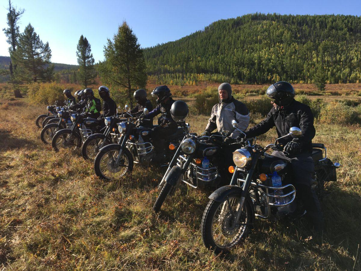 North-West Mongolia motorcycle tour: the group is ready to start the adventure